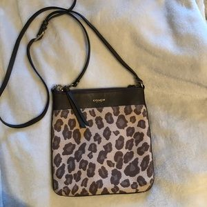 Coach crossbody with leopard 💛